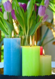 candles with tulips