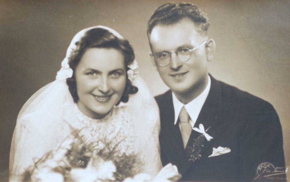 Babička Vlasta na svatební fotce